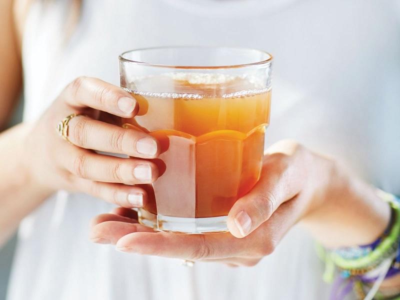 3 metode de utilizare pentru ceaiul din kombucha.